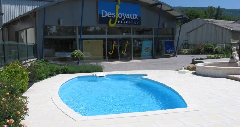 Services pour la piscine par Desjoyaux